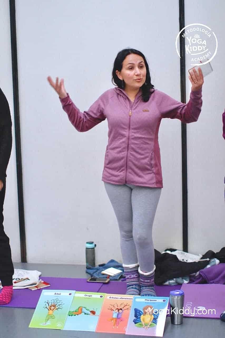 yoga-para-niños-formación-monitor-yoga-infantil-YogaKiddy-viña-del-mar-chile0069