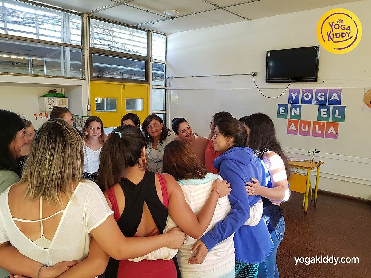 yoga en el aula sala de clase yogakiddy 0000