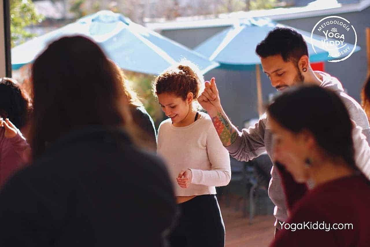 yoga-para-niños-formación-monitor-yoga-infantil-YogaKiddy-viña-del-mar-chile0010