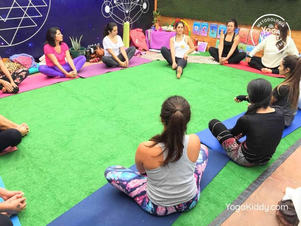 yoga-para-niños-arica-chile-formación-monitor-profesrorado-instructurado-YogaKiddy-0021