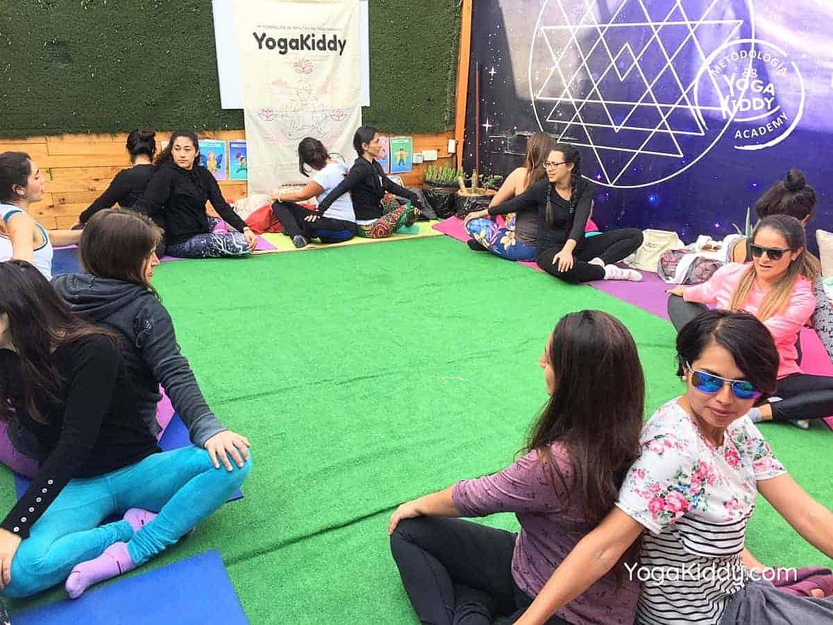 yoga-para-niños-arica-chile-formación-monitor-profesrorado-instructurado-YogaKiddy-0037