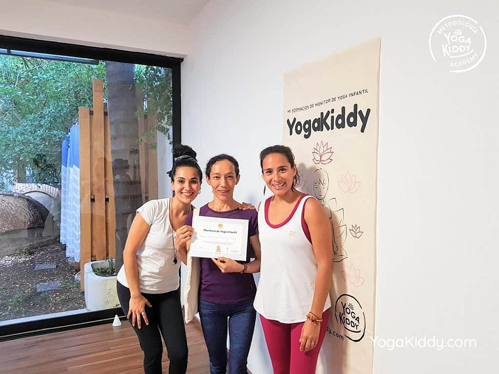 Formación-de-Yoga-para-Niños-en-Guadalajara-México-YogaKiddy-0163-1024x768