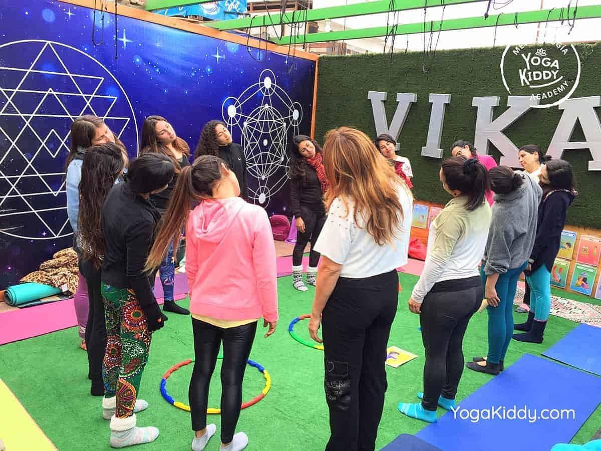 yoga-para-niños-arica-chile-formación-monitor-profesrorado-instructurado-YogaKiddy-0032