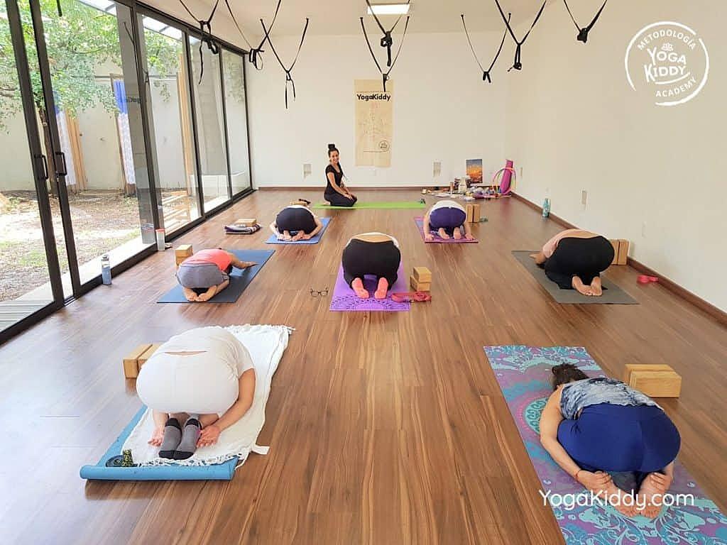 Formación-de-Yoga-para-Niños-en-Guadalajara-México-YogaKiddy-0016-1024x768