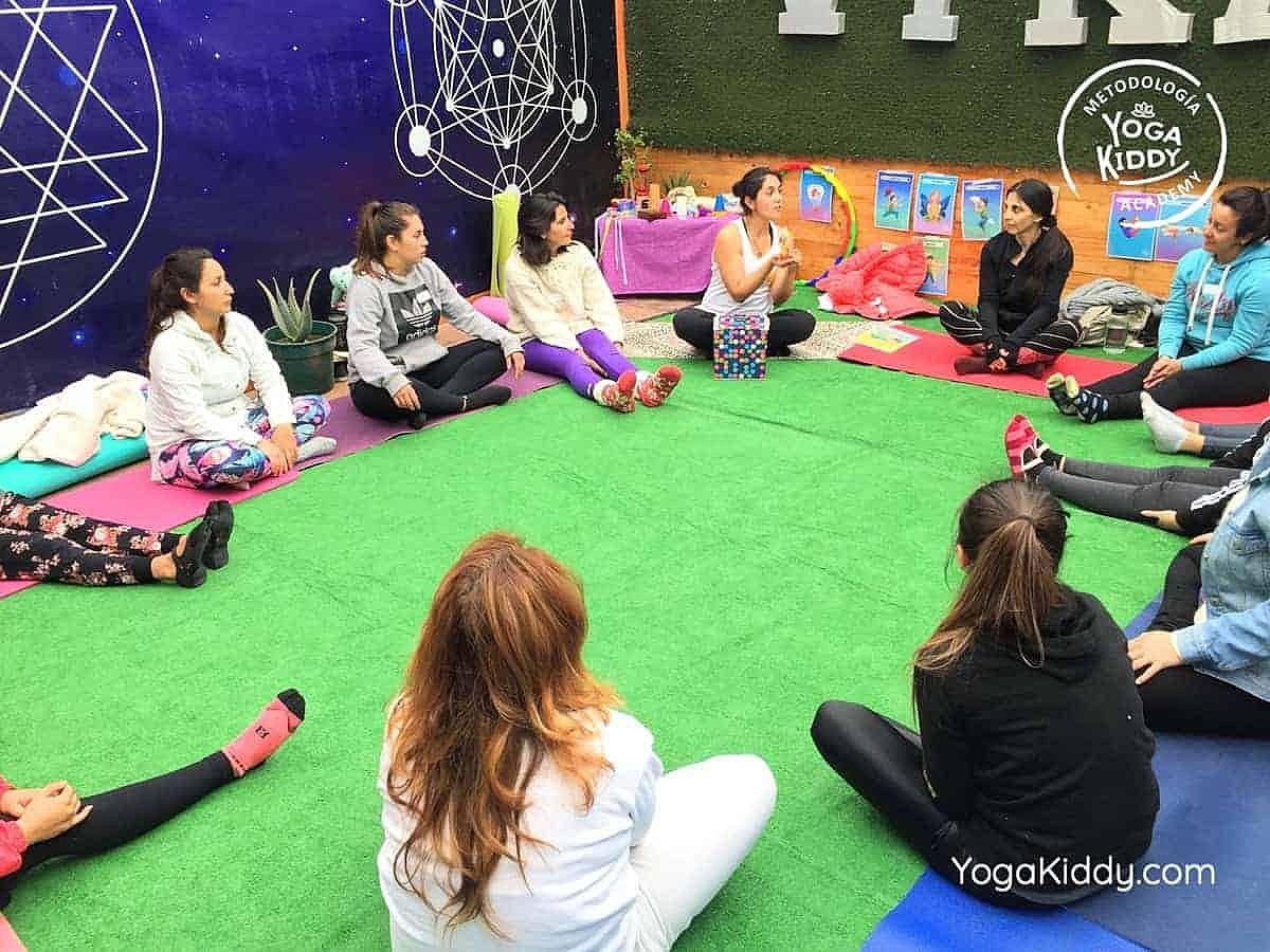 yoga-para-niños-arica-chile-formación-monitor-profesrorado-instructurado-YogaKiddy-0027