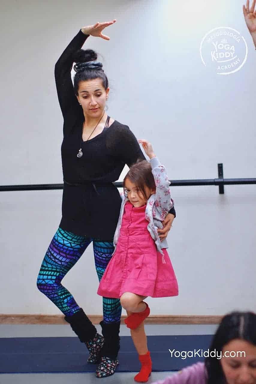yoga-para-niños-formación-monitor-yoga-infantil-YogaKiddy-viña-del-mar-chile0075