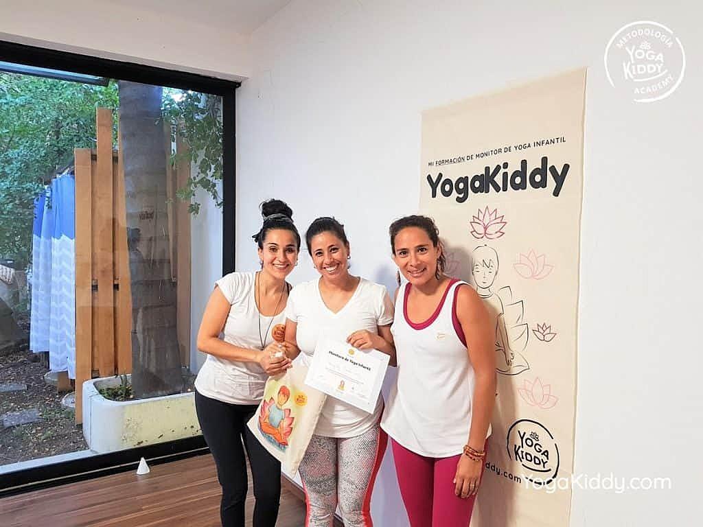 Formación-de-Yoga-para-Niños-en-Guadalajara-México-YogaKiddy-0153-1024x768