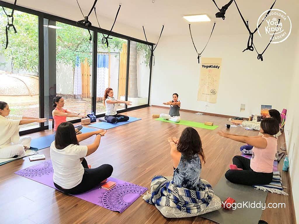 Formación-de-Yoga-para-Niños-en-Guadalajara-México-YogaKiddy-0054-1024x768