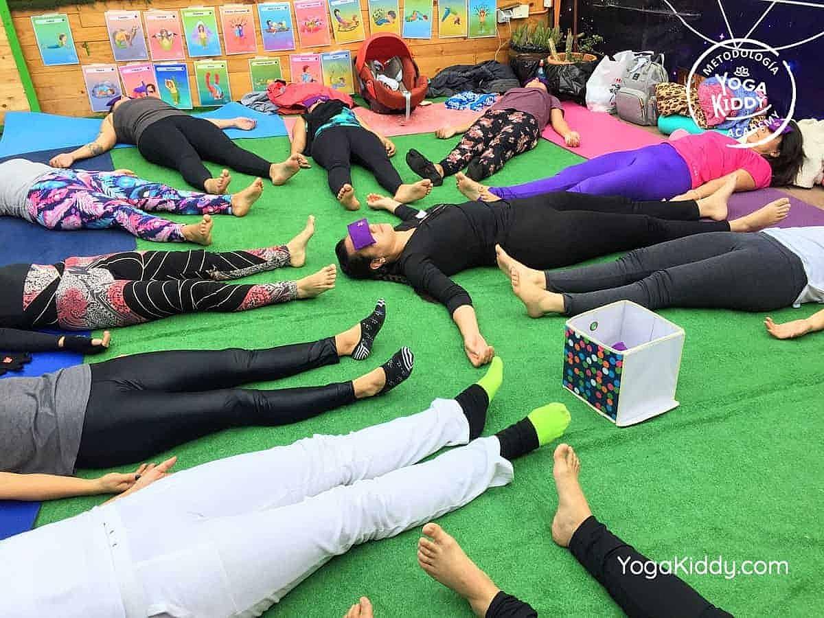 yoga-para-niños-arica-chile-formación-monitor-profesrorado-instructurado-YogaKiddy-0023