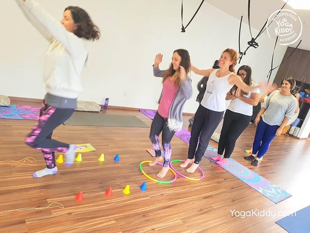 Formación-de-Yoga-para-Niños-en-Guadalajara-México-YogaKiddy-0087-1024x768