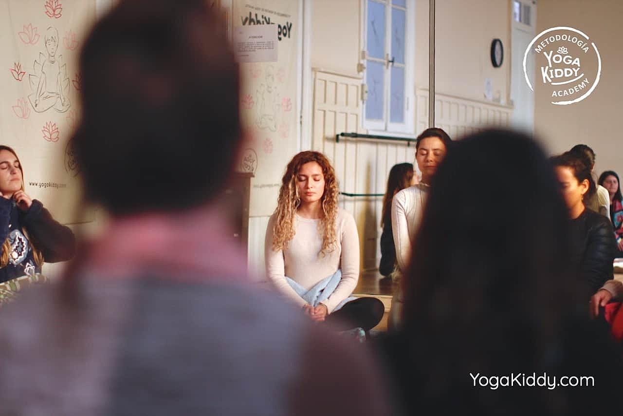 yoga-para-niños-formación-monitor-yoga-infantil-YogaKiddy-viña-del-mar-chile0091