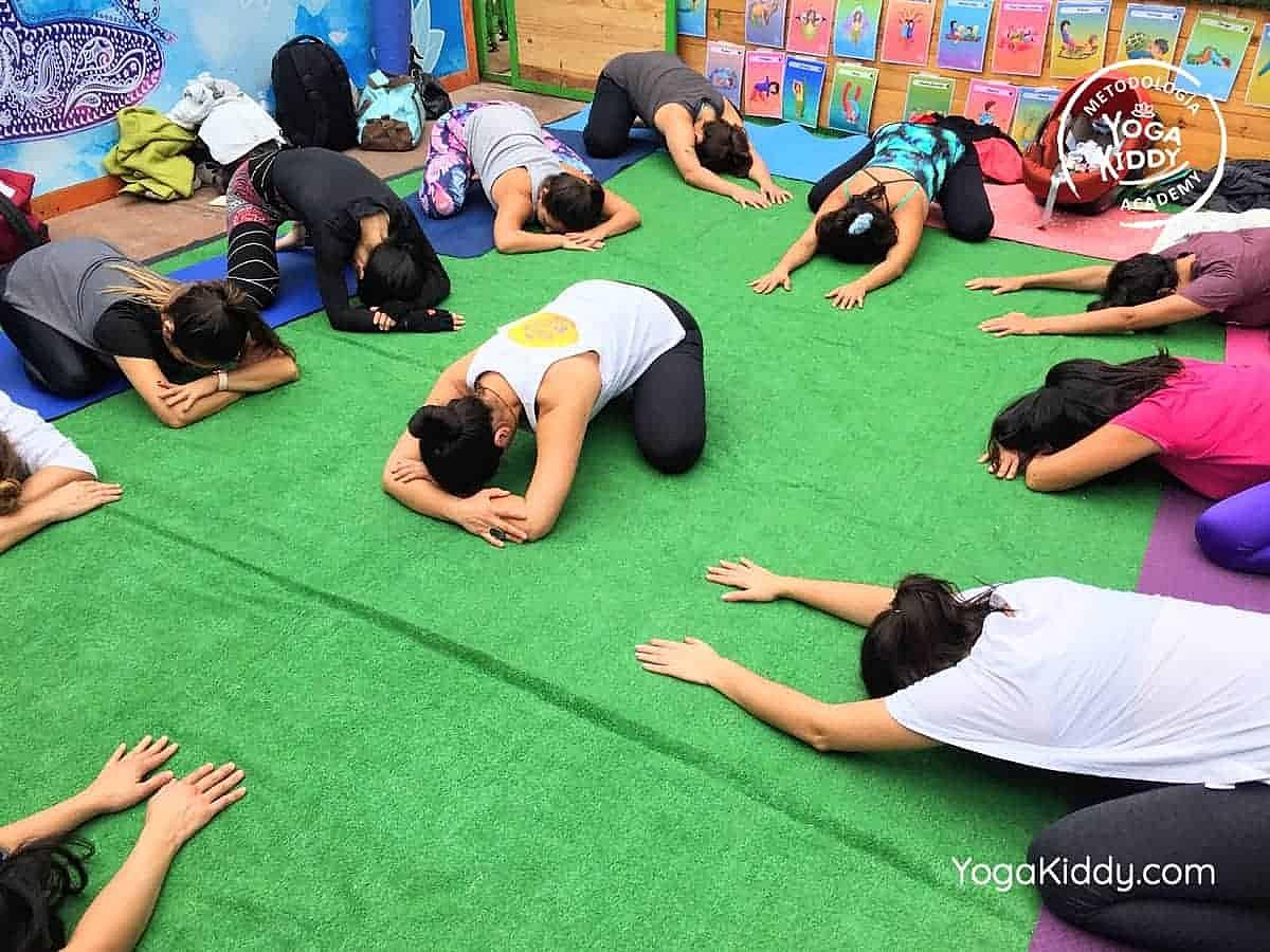 yoga-para-niños-arica-chile-formación-monitor-profesrorado-instructurado-YogaKiddy-0020