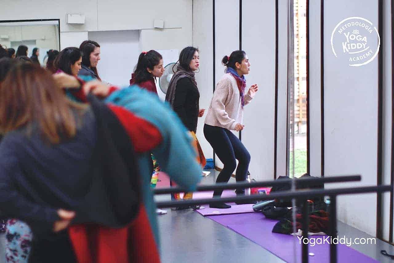 yoga-para-niños-formación-monitor-yoga-infantil-YogaKiddy-viña-del-mar-chile0085