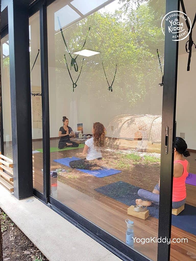 Formación-de-Yoga-para-Niños-en-Guadalajara-México-YogaKiddy-0008-768x1024
