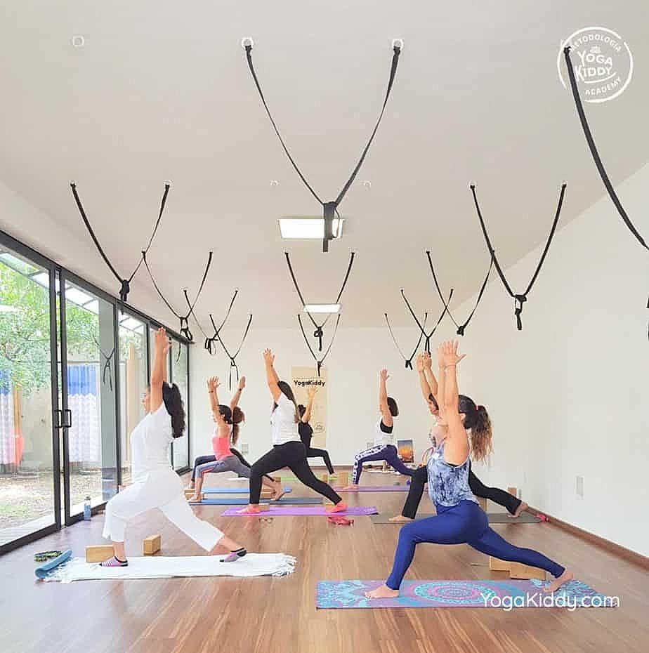 Formación-de-Yoga-para-Niños-en-Guadalajara-México-YogaKiddy-0025-1017x1024
