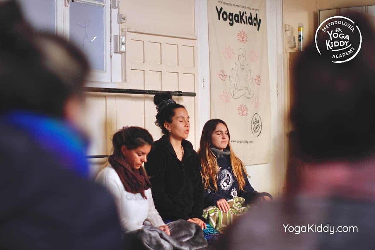 yoga-para-niños-formación-monitor-yoga-infantil-YogaKiddy-viña-del-mar-chile0092