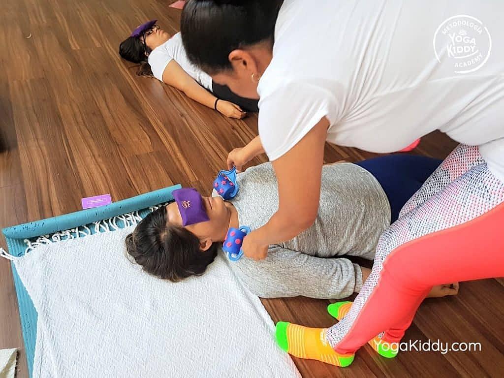 Formación-de-Yoga-para-Niños-en-Guadalajara-México-YogaKiddy-0145-1024x768