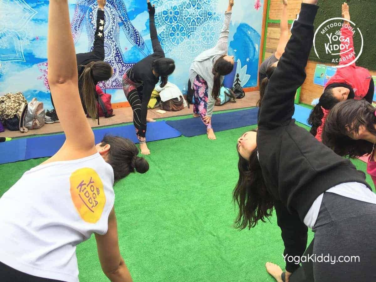 yoga-para-niños-arica-chile-formación-monitor-profesrorado-instructurado-YogaKiddy-0007