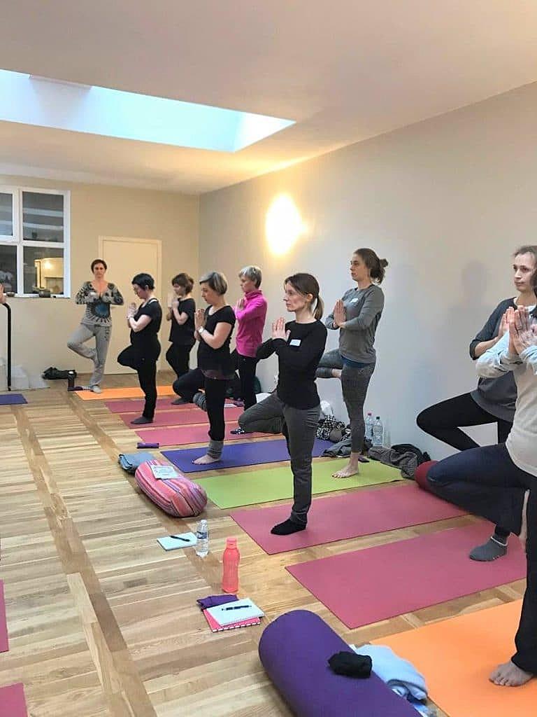 formation-de-moniteur-de-yoga-pour-enfants-yogakiddy_5-768x1024