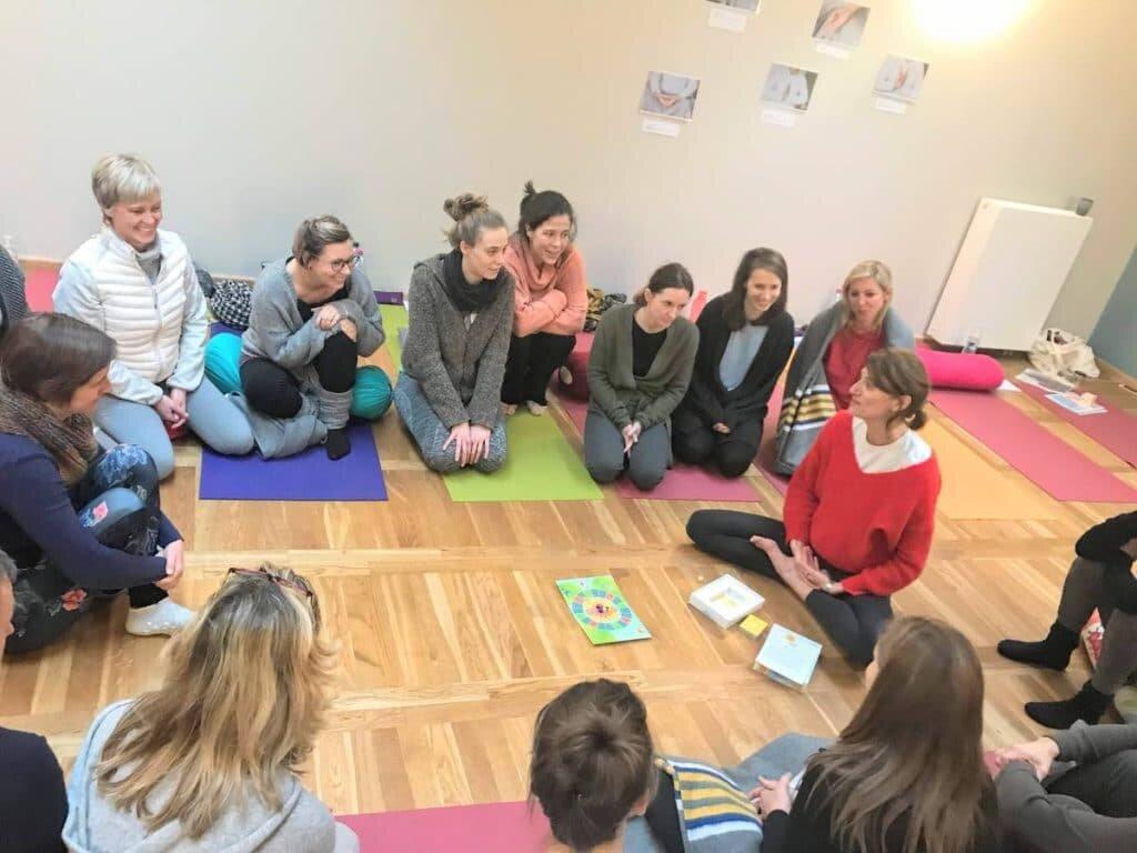 formation-de-moniteur-de-yoga-pour-enfants-yogakiddy_4-1024x768