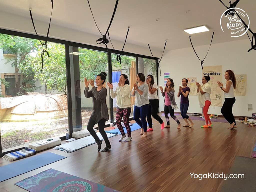 Formación-de-Yoga-para-Niños-en-Guadalajara-México-YogaKiddy-0089-1024x768