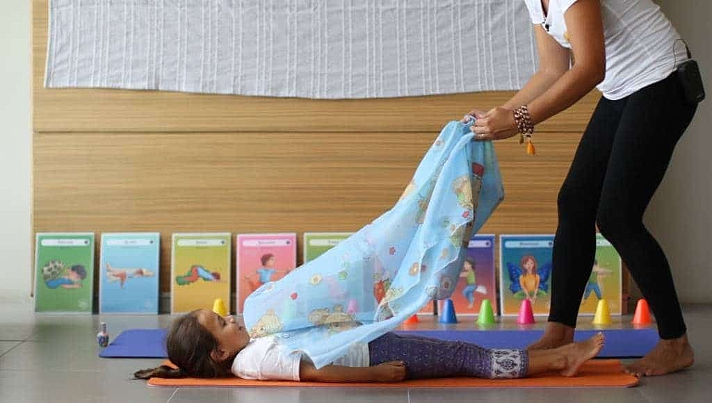 curso-de-yoga-infantil-yoga-para-ninos-en-linea-yogakiddy-20-1-1024x580