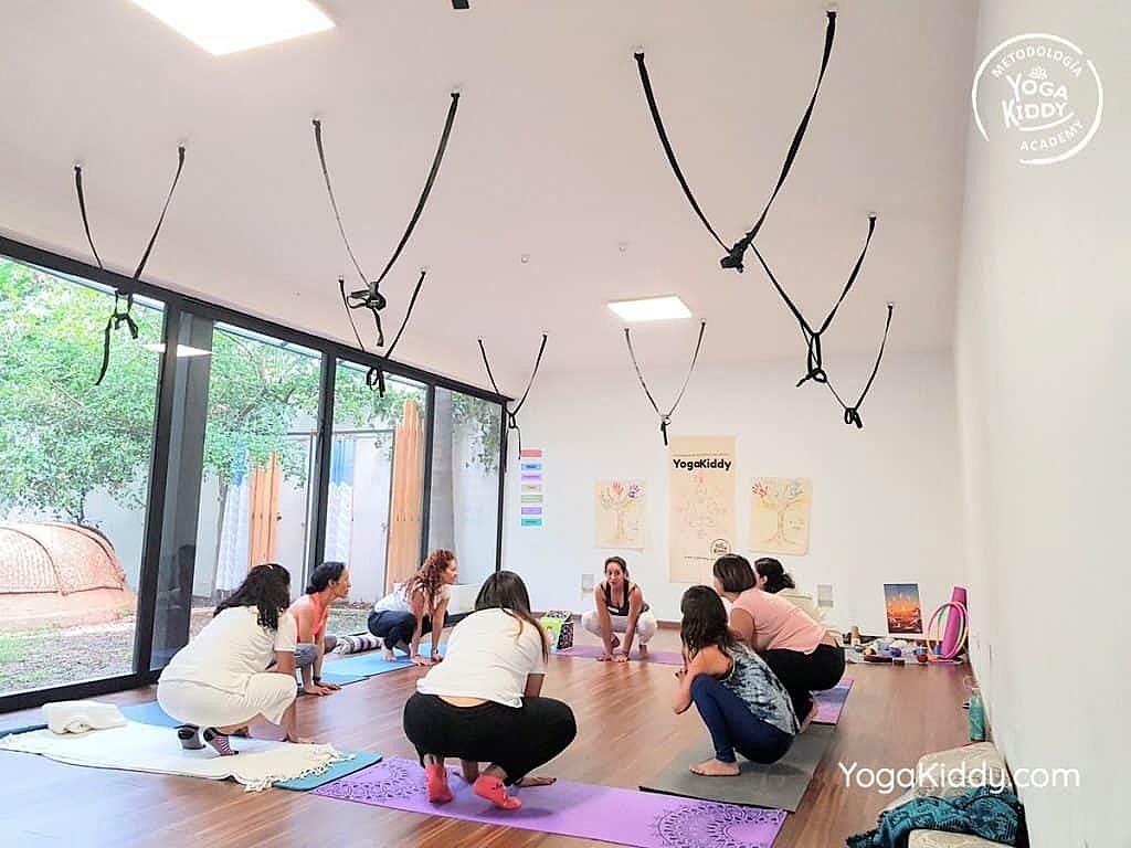 Formación-de-Yoga-para-Niños-en-Guadalajara-México-YogaKiddy-0064-1024x768